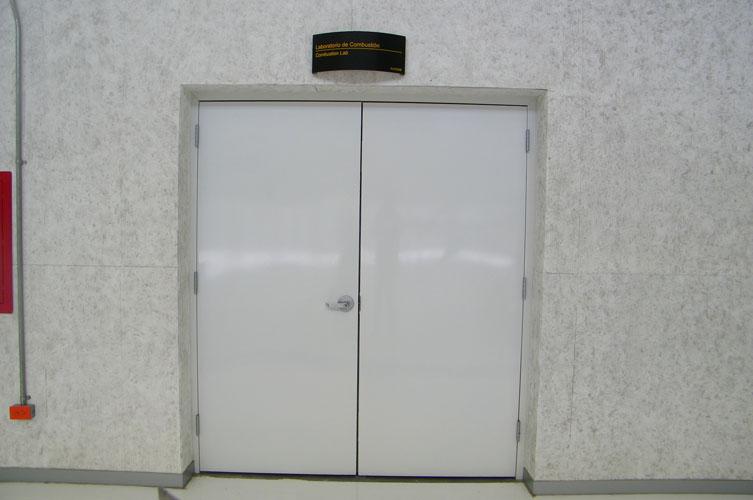 Puertas puertas metalicas puertas contra incendio for Puertas contra incendios